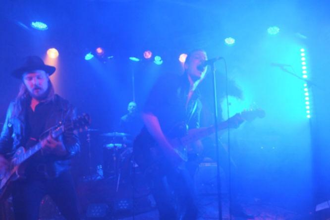 Headliner des Abends waren die schwedischen Durango Riot.