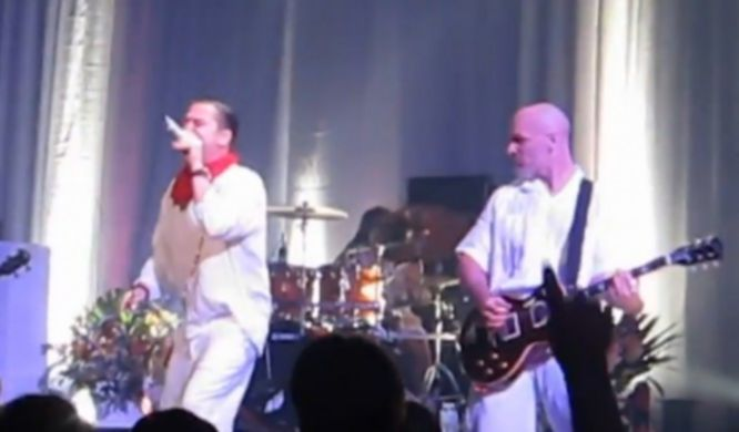 Faith No More live