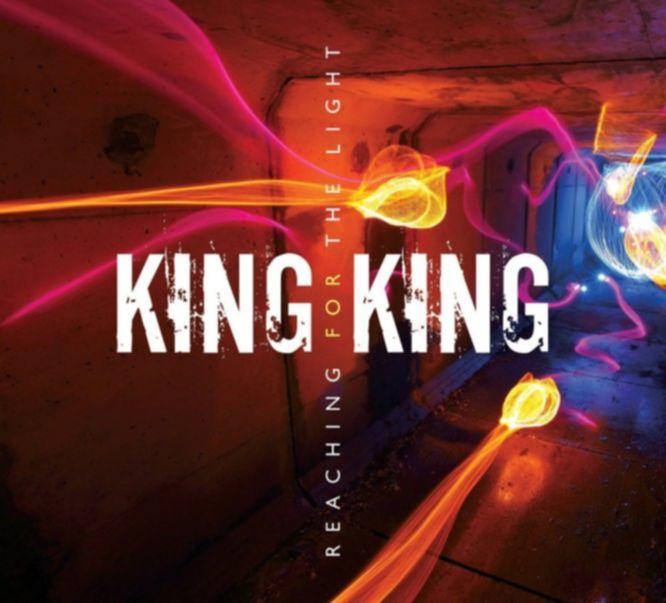 king king reaching